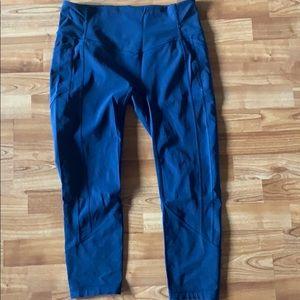 Lululemon Navy Blue Cropped Leggings Size 12